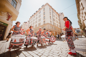 Batala Boom drummers started the 8th Emil Open in the city centre of Brno.